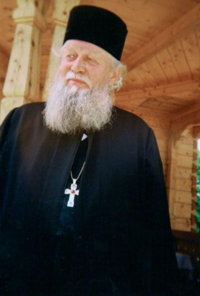 Părintele Gherontie Puiu, de la Mănăstirea Caraiman, a murit. Povestea vieții sale miraculoase