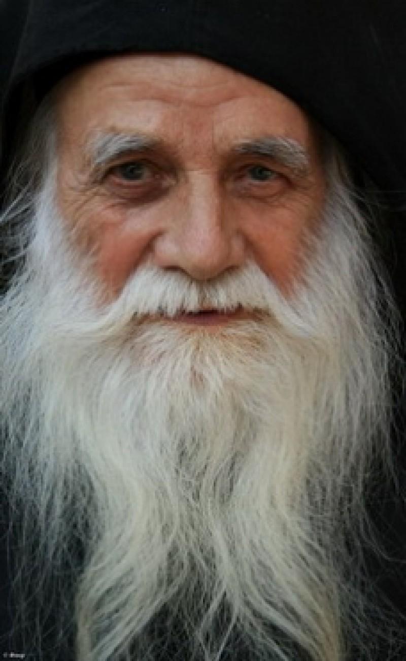 PARINTELE IULIAN, marele duhovnic de la Muntele Athos!