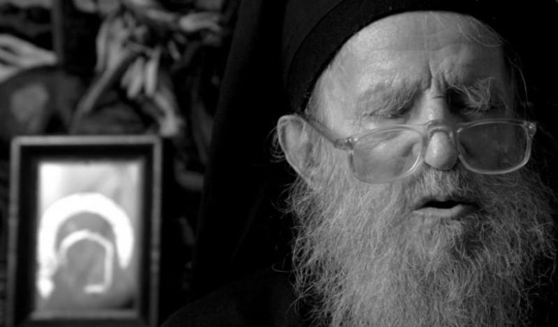 Părintele Mina Dobzeu, cel care l-a botezat pe Nicolae Steinhardt în închisoare, a primit distincția Crucea Moldavă! VIDEO