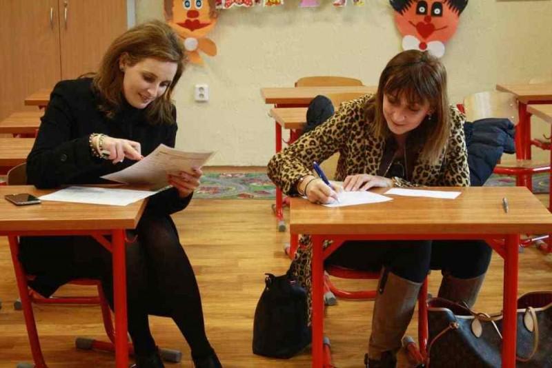 Părinții elevilor cu note slabe la simularea Evaluării Naționale ar putea fi chemați la școală