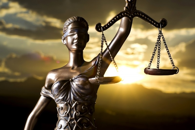 Partea nevăzută a justiţiei. Despre cei ce luptă împotriva lor înşişi pentru ca Justiţia să triumfe FOTO