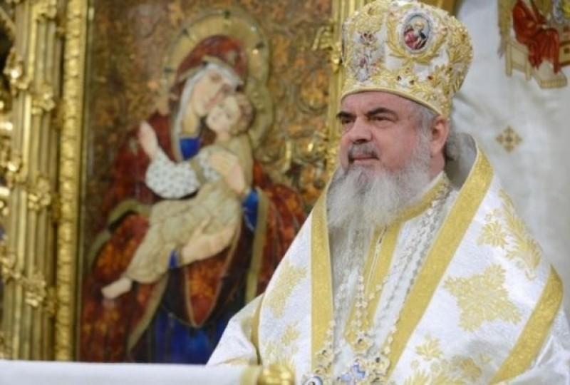 """Patriarhul Daniel îşi cere iertare, """"cu multă durere în suflet"""", pentru tulburarea produsă de acuzaţiile aduse unor preoţi"""