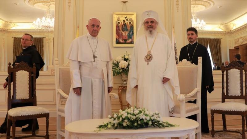 Patriarhul Daniel, la întâlnirea cu Papa: Să promovăm familia creştină tradiţională formată din bărbat, femeie şi copii, într-o Europă cu un evident declin demografic