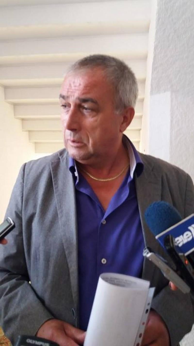 """Patronul firmei care administrează depozitul de la Stăuceni: """"S-a semnat contractul cu Urban Serv. Primim mașinile"""""""