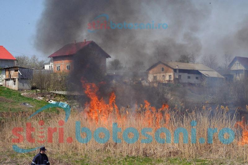 Patru incendii la finalul saptamanii trecute! 40 de pompieri au intervenit!
