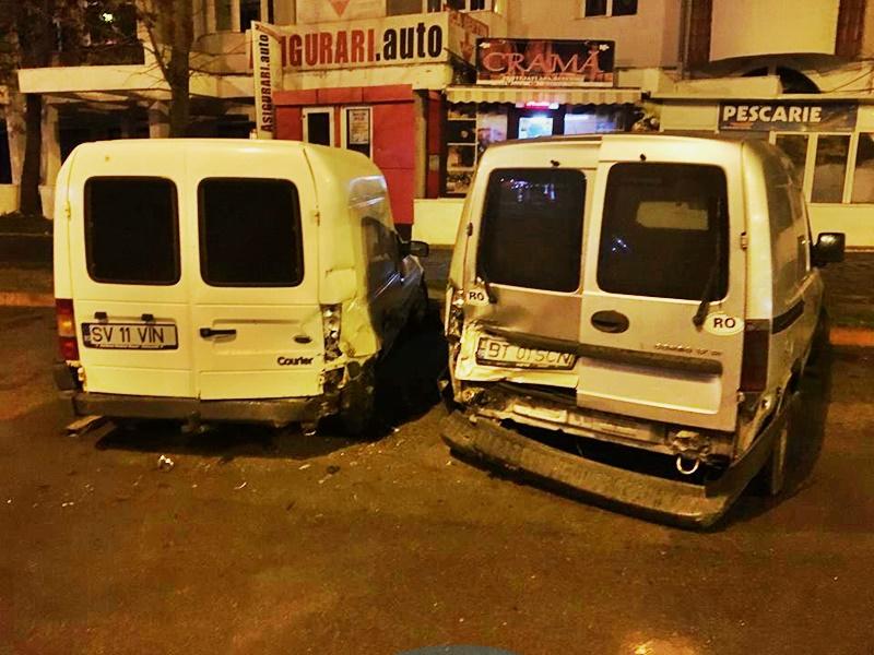 Patru mașini avariate de un șofer neatent, lângă Mall! FOTO