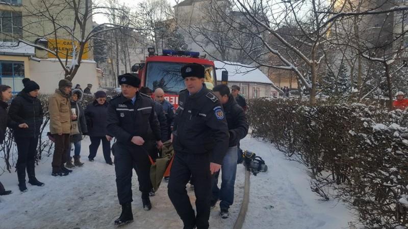 Patru persoane internate în spital, după incendiul de marţi! Care este starea lor!