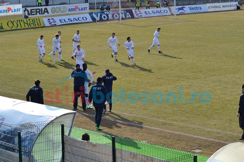 Trei puncte smulse oltenilor! FC Botoşani-Pandurii Târgu Jiu 3-1! FOTO
