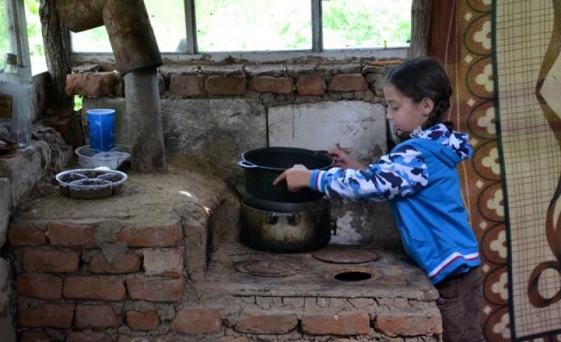 Pe perioada stării de urgență, peste 30% din copiii săraci din România nu au avut acces la mâncare, educație și medicamente
