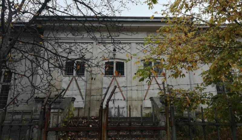 Pe terenul fostului sediu al Rutierei din Botoșani se va ridica un bloc
