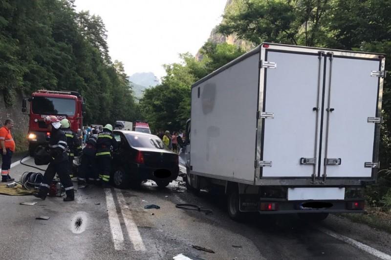 Pedepse mai mari pentru şoferii fără permis sau băuţi care produc accidente rutiere mortale