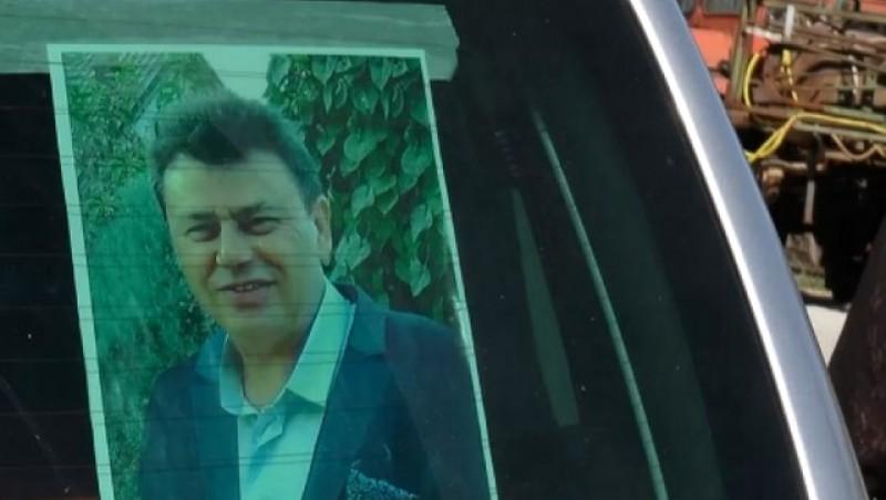 Pelerinaj la mormântul unui primar PSD nou ales care a murit acum zece zile