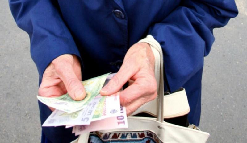 """Pensiile şi salariul minim vor creşte """"în perioada următoare"""""""
