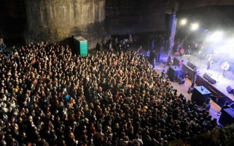 Pentru iubitorii genului. La Cetatea de Scaun a Sucevei, a debutat Bucovina Rock Castle!