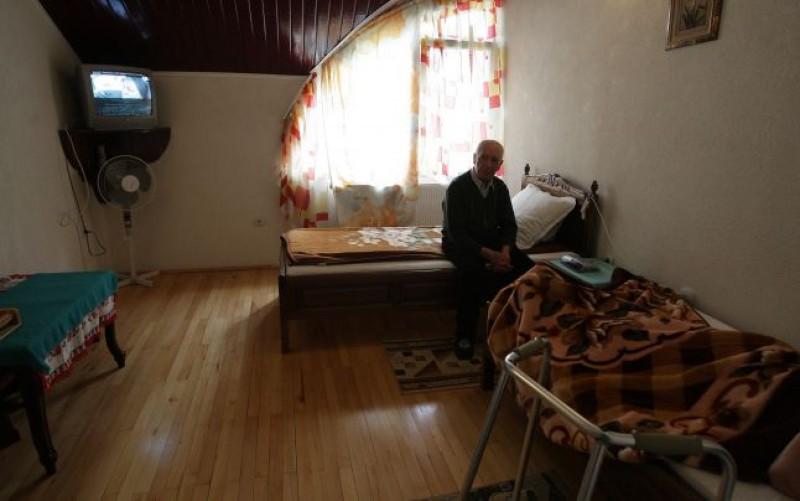 Pentru sănătatea oamenilor peste 65 de ani din Suceava şi Botoşani, CNAS a alocat de 24, respectiv de 98 de ori mai puţini bani faţă de media naţională!
