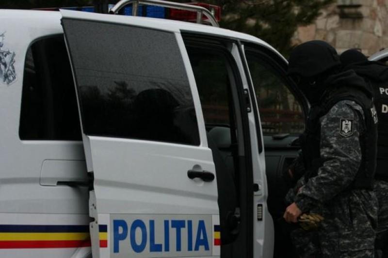 Percheziţii de amploare la Botoşani! Zeci de locuinţe scotocite de poliţişti!