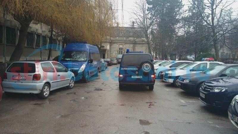 Percheziţii dispuse de DIICOT la Botoşani, echipe speciale de intervenţie împrăştiate în judeţ!- FOTO
