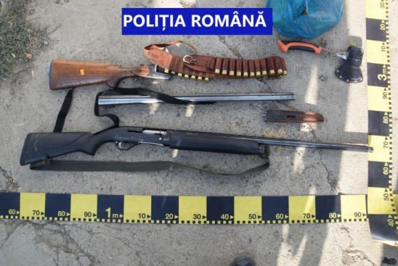 Percheziții la Botoșani. Arme ridicate de polițiști, într-un dosar de evaziune (video)