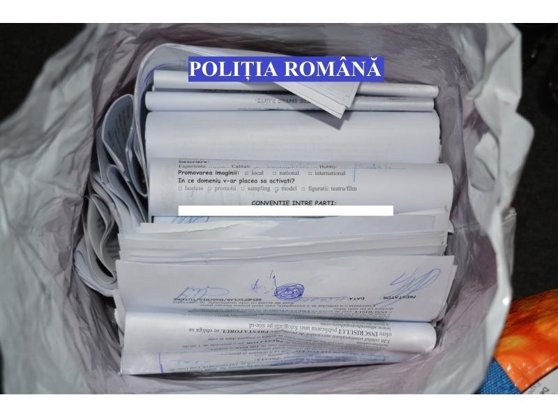 """Percheziții la sediul unei """"agenții de modelling"""" din Botoșani!"""