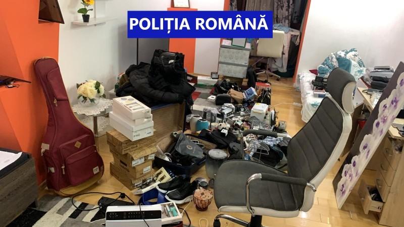 Percheziții și rețineri în Botoșani, într-un dosar de fraudă informatică (fotogalerie)