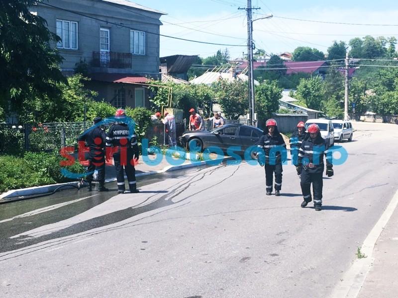 Pericol de explozie la Dorohoi! Un autoturism a intrat intr-o conducta de gaz! FOTO