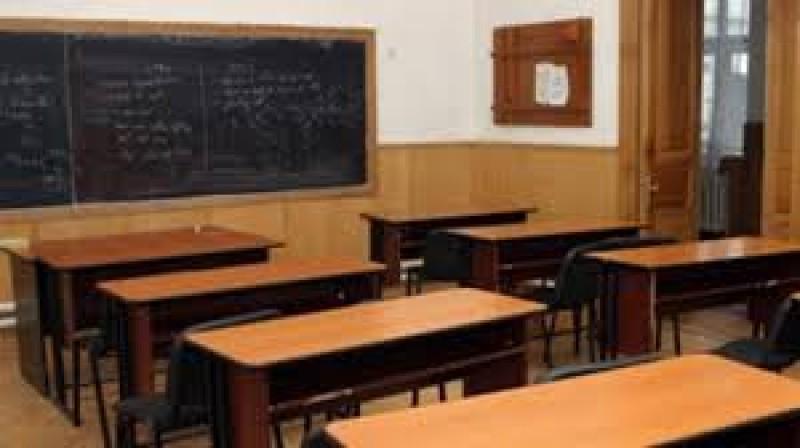 Pericol pentru elevi într-o școală din județ!