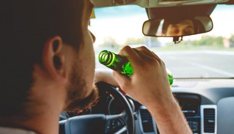 Pericolul din trafic: alcoolul. Dosar penal pentru un tânăr de 26 de ani, depistat cu această problemă