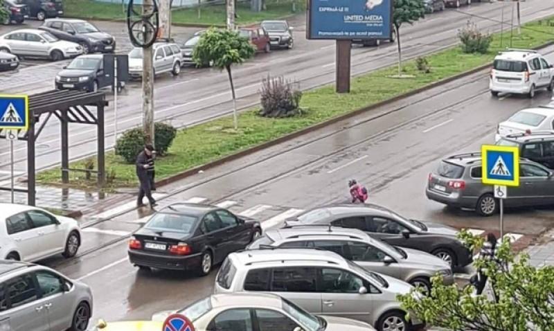 Pericolul pândește la trecerile de pietoni din Botoșani