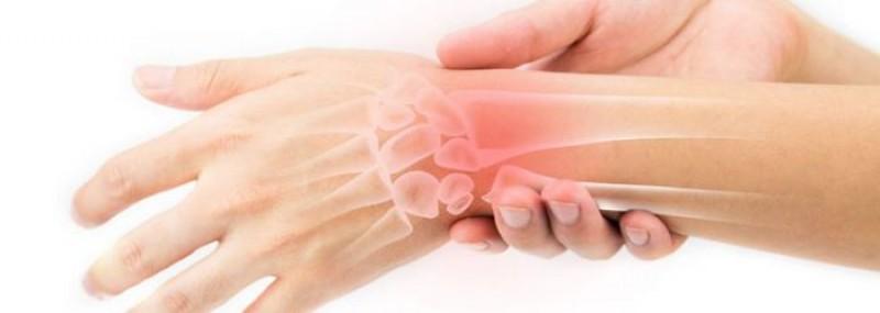 Periculoasele dureri de încheietură, care pot duce și la paralizie! Ce boală faci dacă lucrezi prea mult cu mouse-ul
