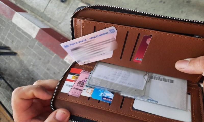 Permis de conducere fals descoperit asupra unui cetățean din Republica Moldova