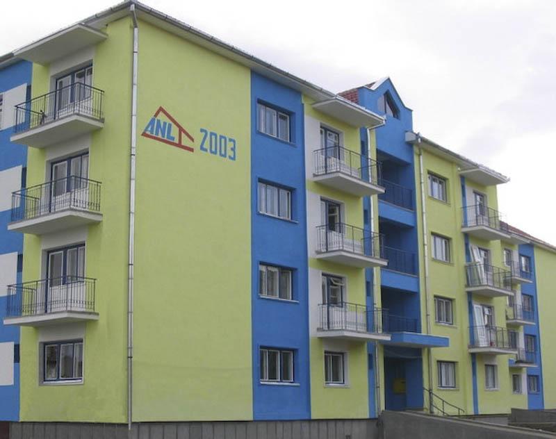 Peste 1.000 de familii din Botosani asteapta o locuinta de la ANL