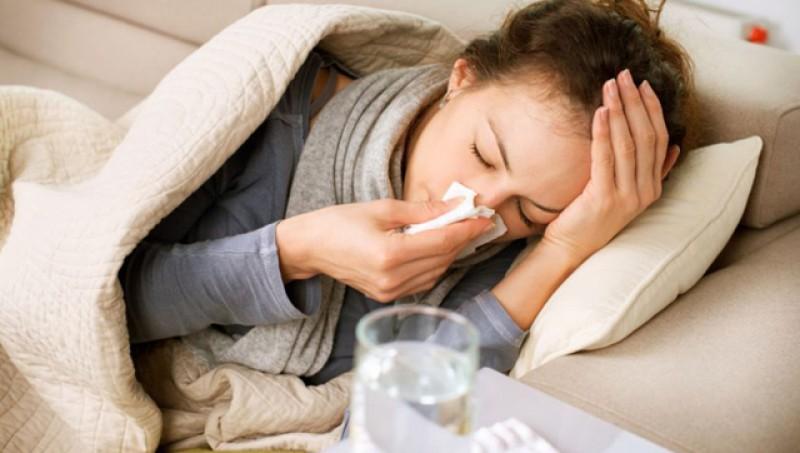 Peste 1000 de viroze respiratorii în ultima săptămână! Avem deja și primul spitalizat pentru gripă din acest an!