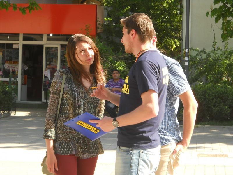 Peste 2.500 de botoșăneni au semnat pentru apropierea definitivă a Basarabiei de România