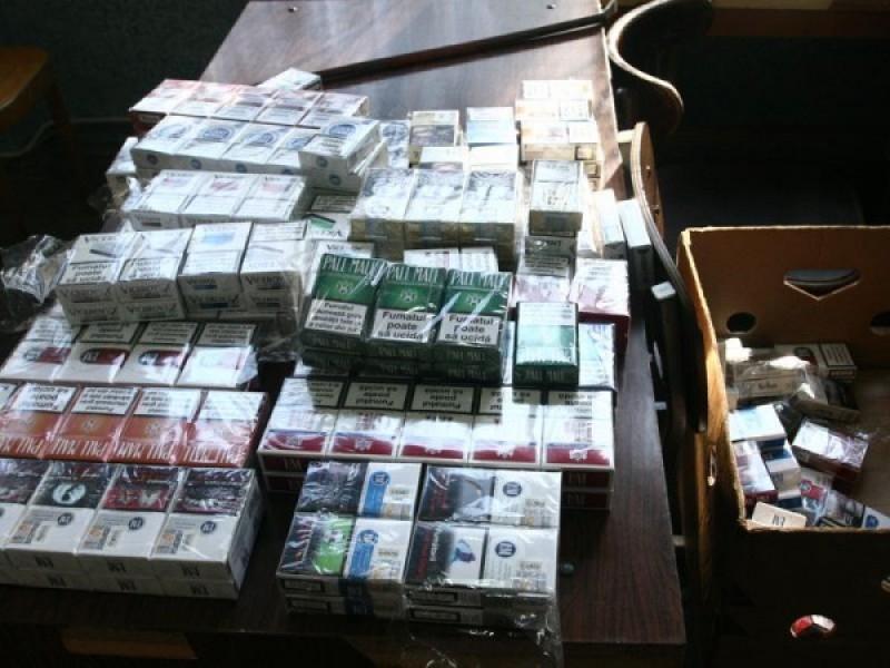 Peste 5.000 de țigarete și alcool de contrabandă, în piața din Dorohoi!