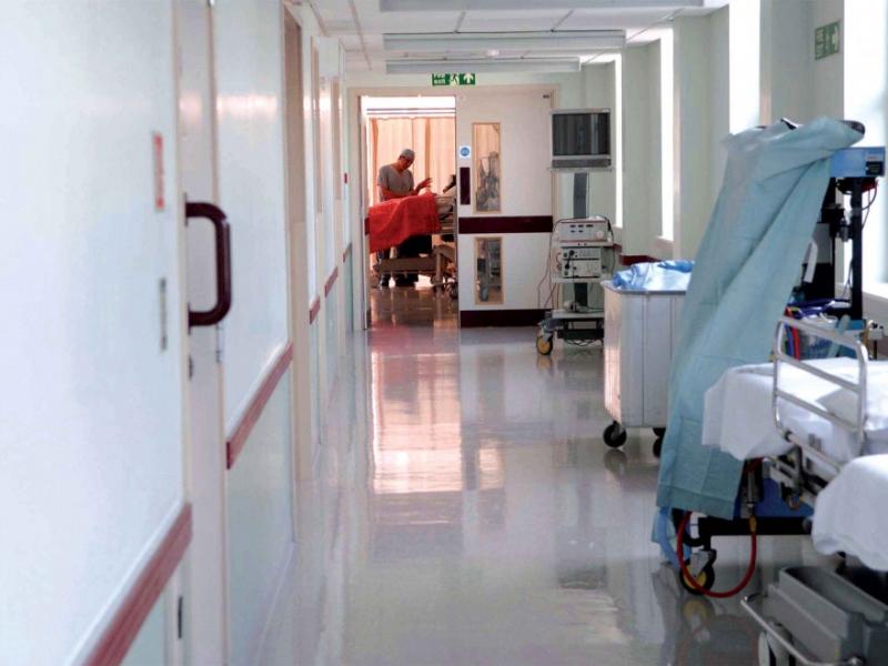 Peste jumătate dintre cadrele medicale diagnosticate cu COVID s-au vindecat
