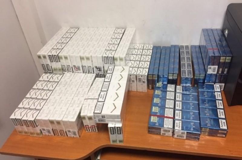 Peste o mie de tigarete au fost gasite asupra unui botosanean. Incerca sa le vanda la Iasi