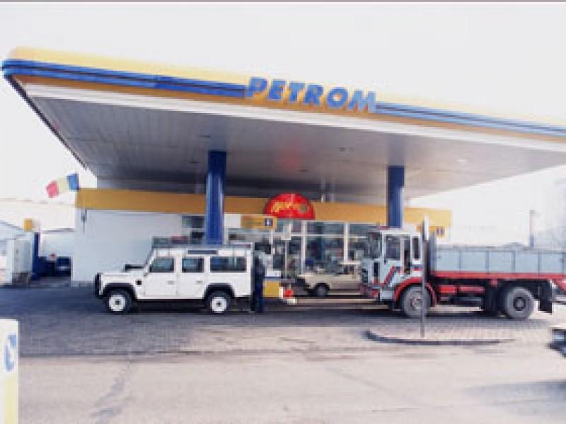 Petrom a redus preturile carburantilor, de Sarbatori
