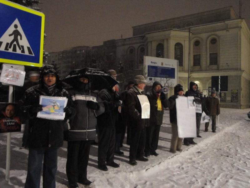Piata Revolutiei, insufletita din nou de protestatarii botosaneni! FOTO