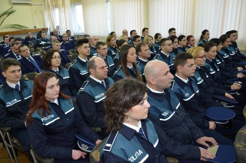 Polițiștii angajați din sursă externă au depus jurământul