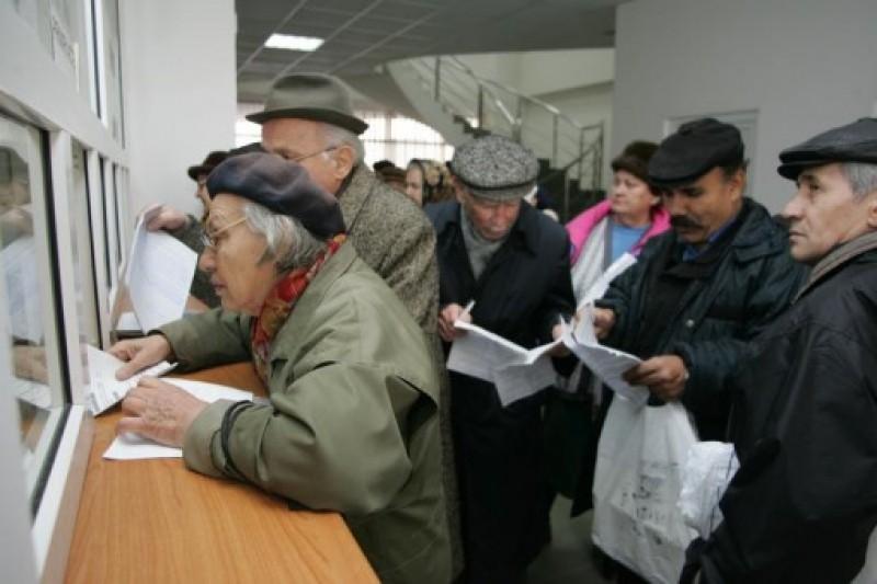 Plafonul pensiilor pană la care se acordă abonament gratuit la tramvai, majorat în Consiliul Local