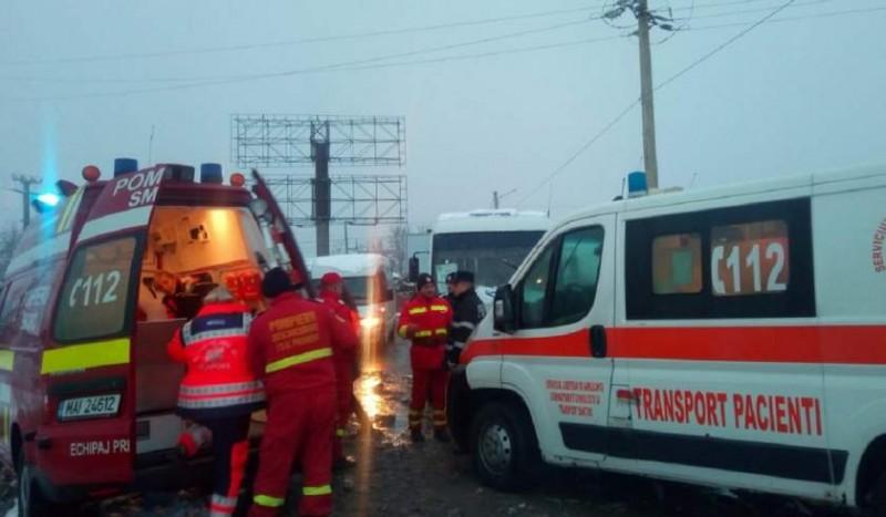 Plan ROȘU de intervenție la Suceava: Doi morţi şi şapte răniţi, după ce un microbuz a intrat într-o dubă!