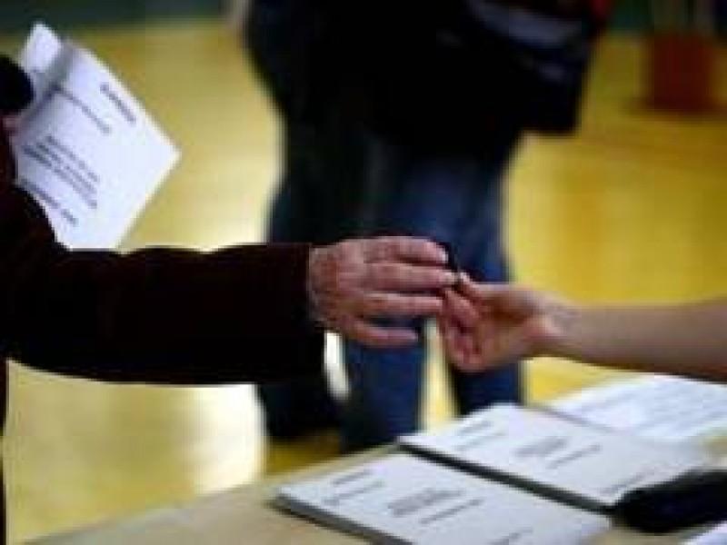Planul secret al PNL şi PSD: anticipate prezidenţiale în 2012 cuplate cu alegeri parlamentare
