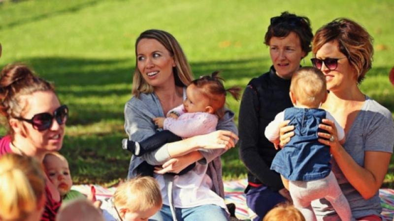 Plata indemnizaţiei de creştere copil, care expiră pe durata stării de urgenţă, este prelungită automat