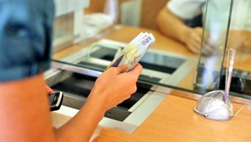 Plata ratelor la bănci ar putea fi amânată în criza generată de COVID – 19. Două bănci au făcut deja concesii