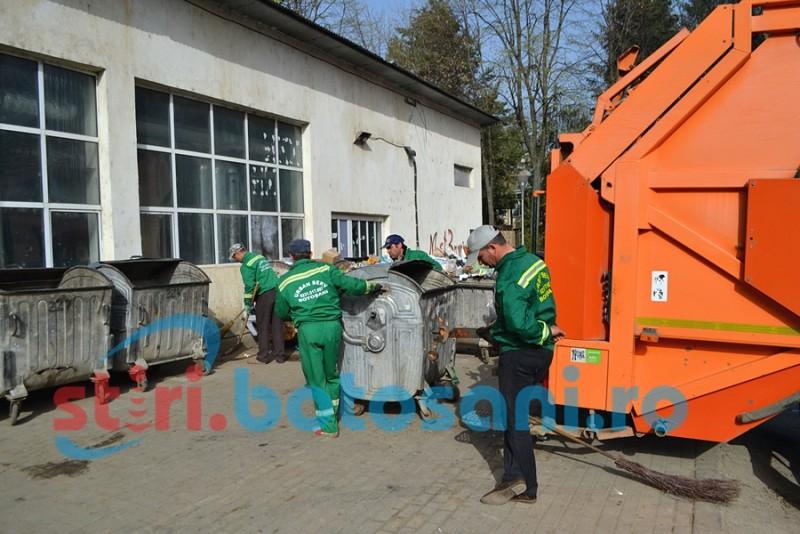 Platformele pentru gunoi nou amenajate în municipiu încă nu pot fi folosite