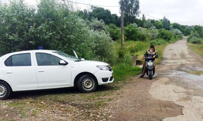 Plimbare cu motoscuterul terminată cu dosar penal pentru un dorohoian, după o întâlnire cu polițiștii de frontieră