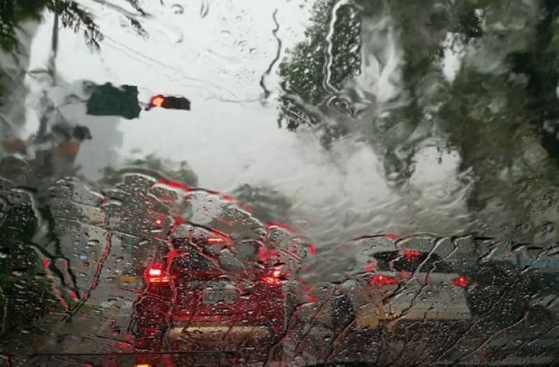 Ploi, vijelii și grindină până pe 4 mai inclusiv în Botoșani