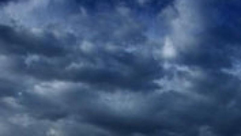 Ploile revin, de miercuri, în jumătatea nordică a ţării