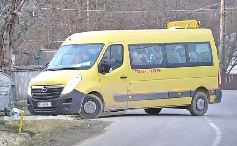 """PLUS Botoșani arată cu degetul spre Consiliul Județean și ISJ Botoșani: """"Cazul Caracal s-a derulat și pe fondul lipsei transportului în comun""""!"""