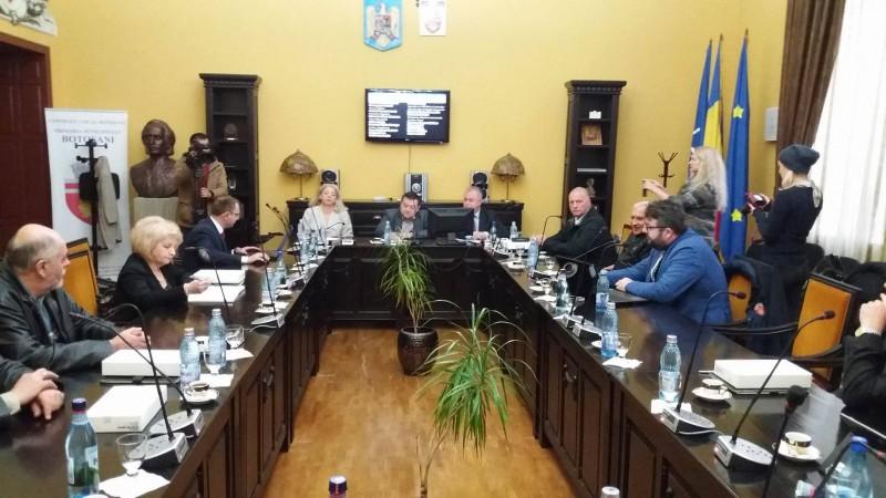 Modernizarea unei străzi și investiții la unele unități de învățământ din municipiul Botoșani, proiecte ce ar urma să fie realizate prin PNDL. Ministerul a schimbat regulile în timpul jocului